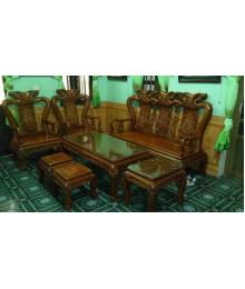 Bàn ghế bằng gỗ lim