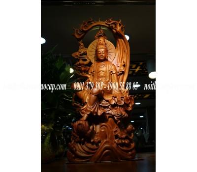 Tượng quan âm tự taị gỗ Hương