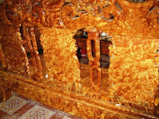 Đồ thờ cúng bằng gỗ Lu Nghiến
